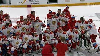 Российская сборная по хоккею выиграла первый этап Евротура.