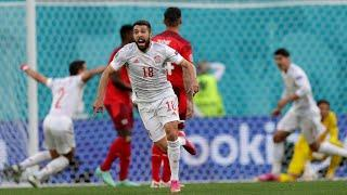 Испания забивает гол в ворота сборной Швейцарии 1-0